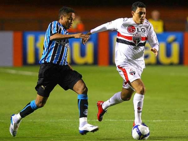 Resultado de imagem para São Paulo perde para o Grêmio na estreia do campeonato brasileiro de 2008