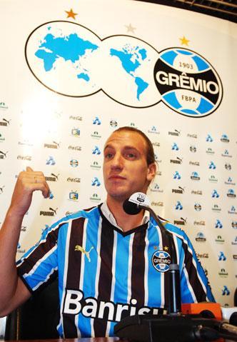 Maxi Lopez  - 16.02.2009 - Diego Vara