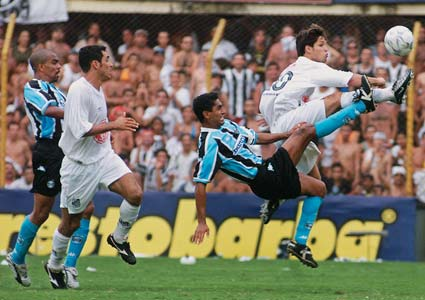 Campeonato Brasileiro 2002 - Santos 3x0 Grêmio (Foto: Deduc)