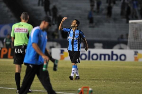 Mesmo com vaias, Jonas garantiu a vitória tricolor (Foto: Fabiano do Amaral / Correio do Povo)
